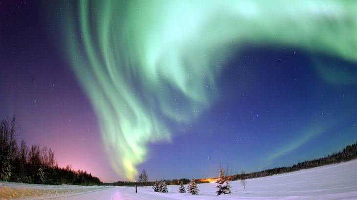 「オーロラはなぜ発生するの?寒いから?」人生で一度は見てみたいオーロラはなぜ光るのか
