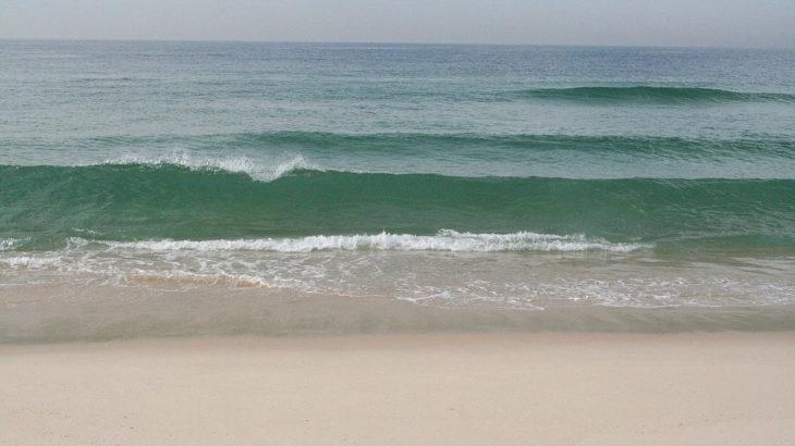 「なぜ波は起こるの?」海に波が起きる2つの原因が何か分かりますか?